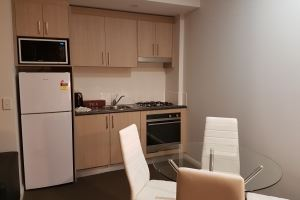 The Kitchenette & Dining Area in the Hamilton Studio.