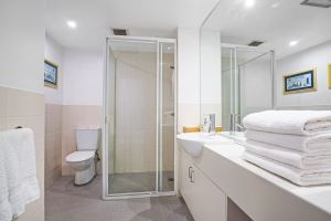 The Main Bathroom of Worth Place Apartment.