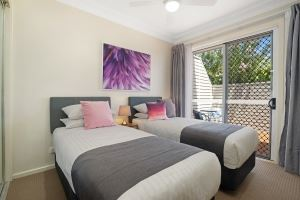 A Bedroom at Mayfield Short Stay Apartments.