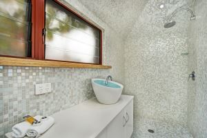 The Ensuite to the Main Bedroom of Oceanview Terrace.