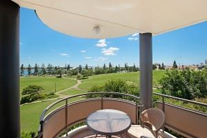The Flagstaff Apartment features a private balcony with 180 degree views over Foreshore Park.