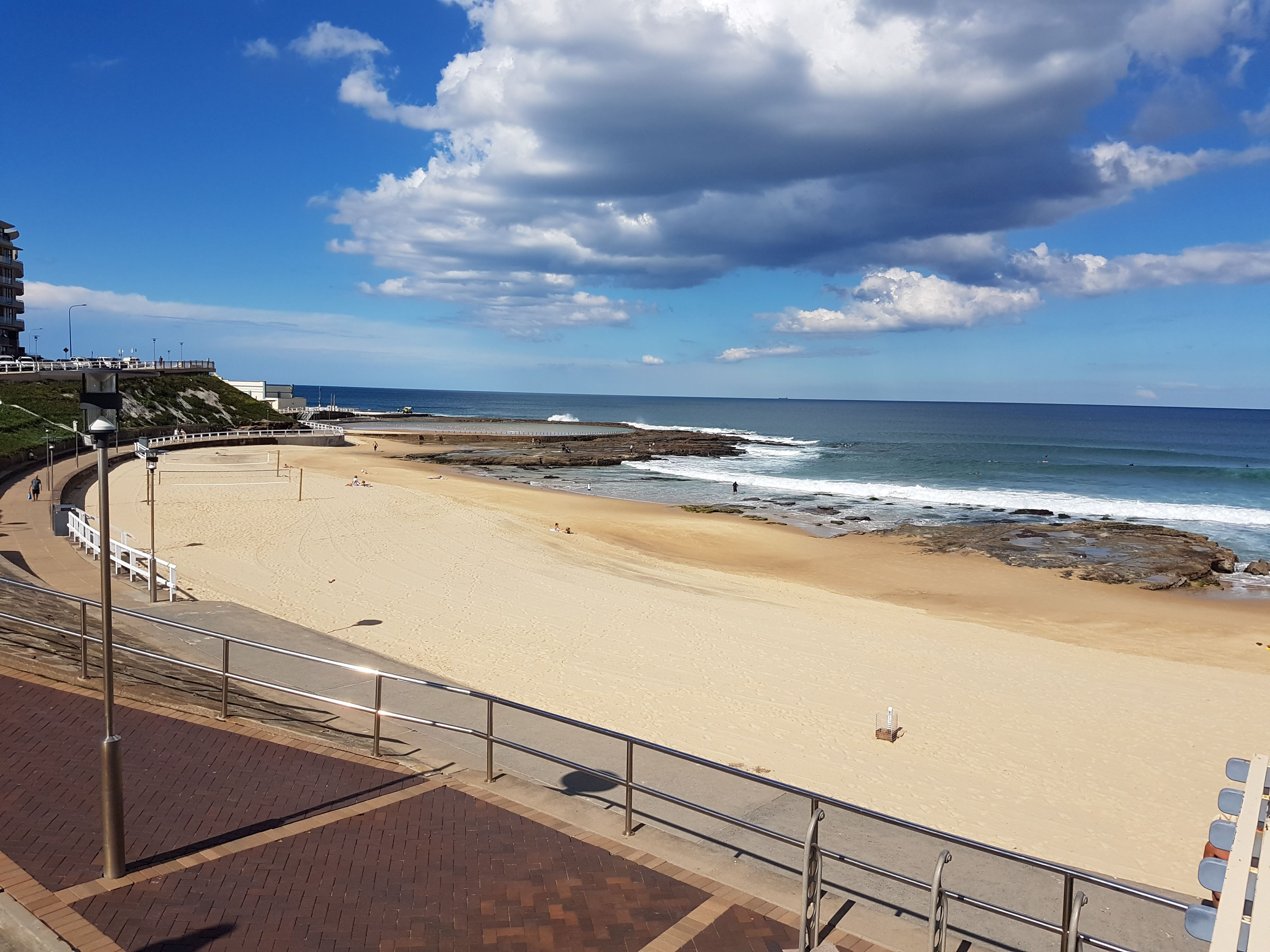 Accommodation in newcastle newcastle supercars 500 for Beach house designs newcastle